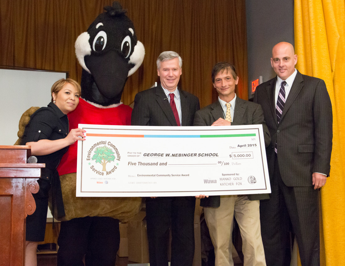 Principal Anh Brown, Wally, the Wawa Goose, 6abc's David Murphy, Wawa's Thayer Schroeder and Manko Gold's  Jonathan Spergel